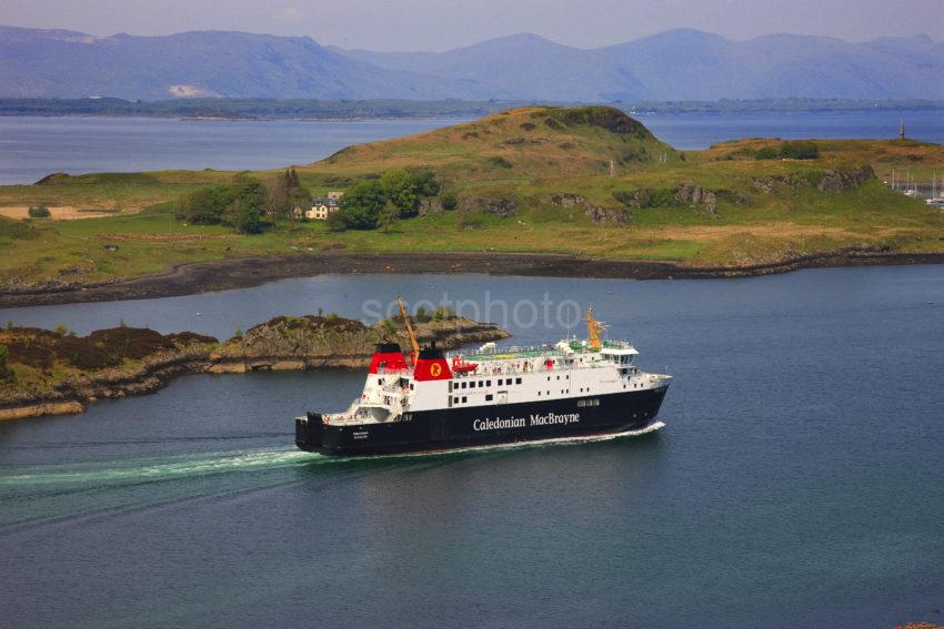 FINLAGGAN ARRIVES OBAN FROM COLONSAY