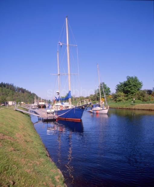 Caledonian Canal At Dochgarroch Locks Great Glen