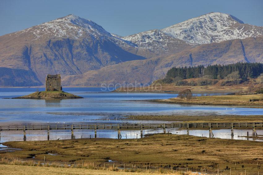 0I5D7326 Castle Stalker And The Jubilee Bridge