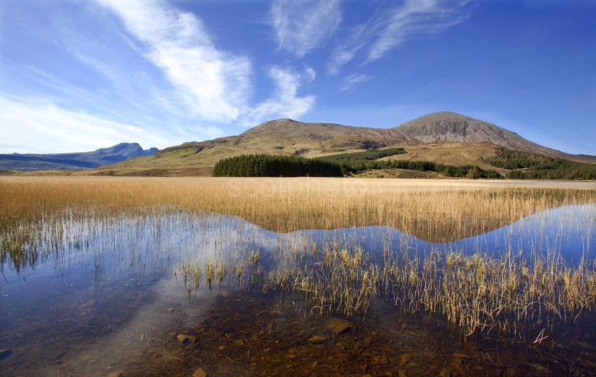 WY3Q4598 Loch Cillchriosd And Red Hills Skye