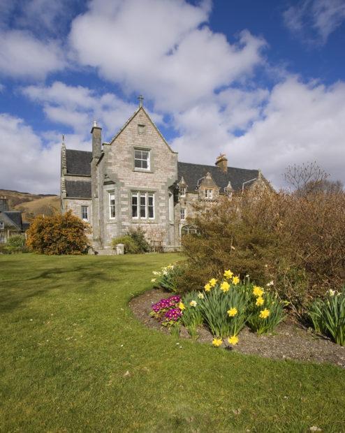 Ardchattan House And Garden