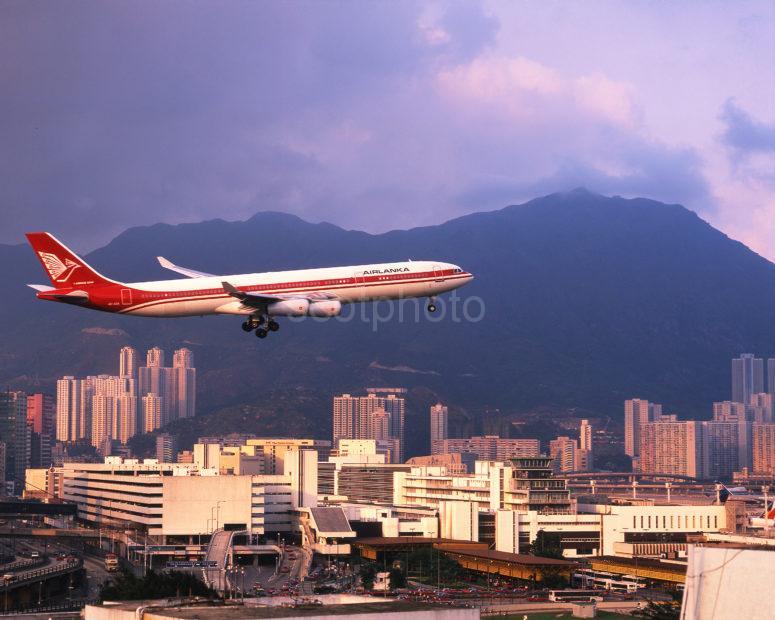 Airbus A340 Air Lanka Approaches Kai Tak In Hong Kong