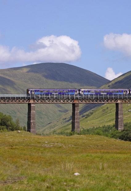 3044cec3 198a5501 156 Crossing The Horshoe Viaduct Auch Nr Tyndrum Fort William To Glasgow Line