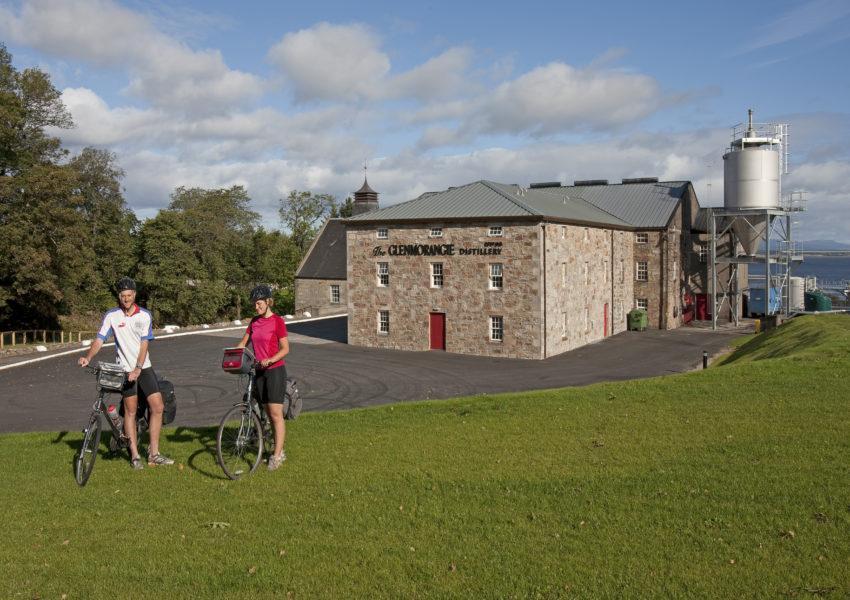 I5D9936 Cyclists At Glenmorange Distillery