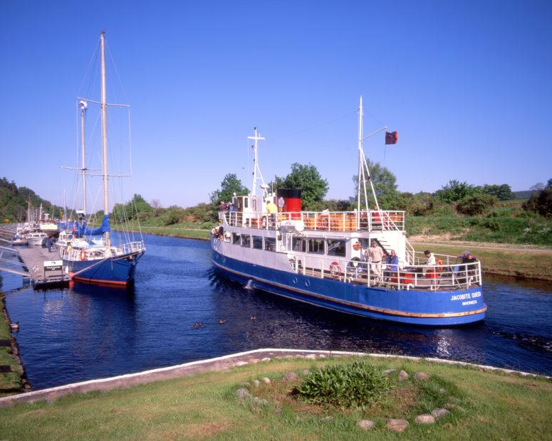 The Jacopbite Queen On Caledonian Canal Dochgarroch Locks Nr Inverness