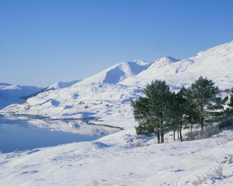 Winter Wonderland Loch Cluanie Nr Glen Shiel