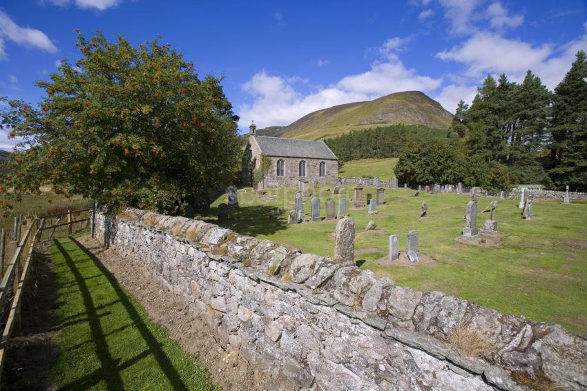 WY3Q9930 Early Autumn Spittal Of Glenshee Kirk