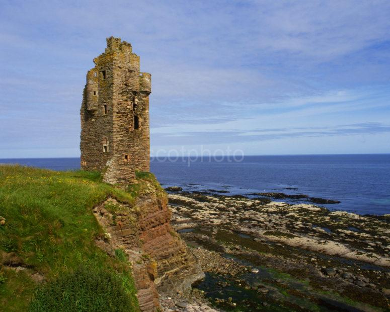Old Keiss Castle On High Cliffs Late 16th Cent Caithness Coast