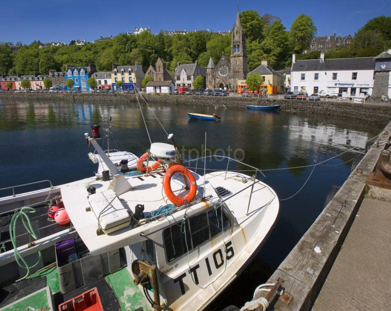 WY3Q9871 Tobermory Harbour Mull