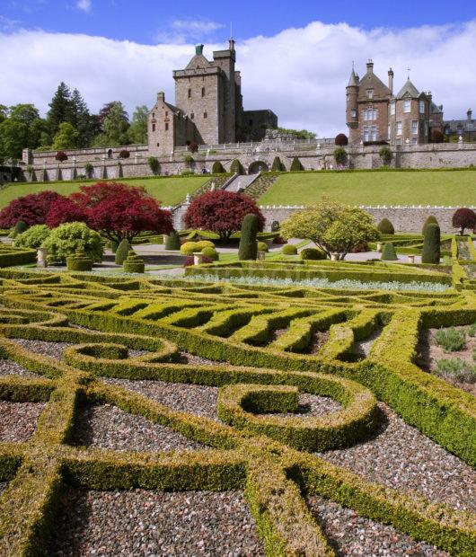 WY3Q0356 Castle From Gardens Drummond Castle Nr Crief Perthshire