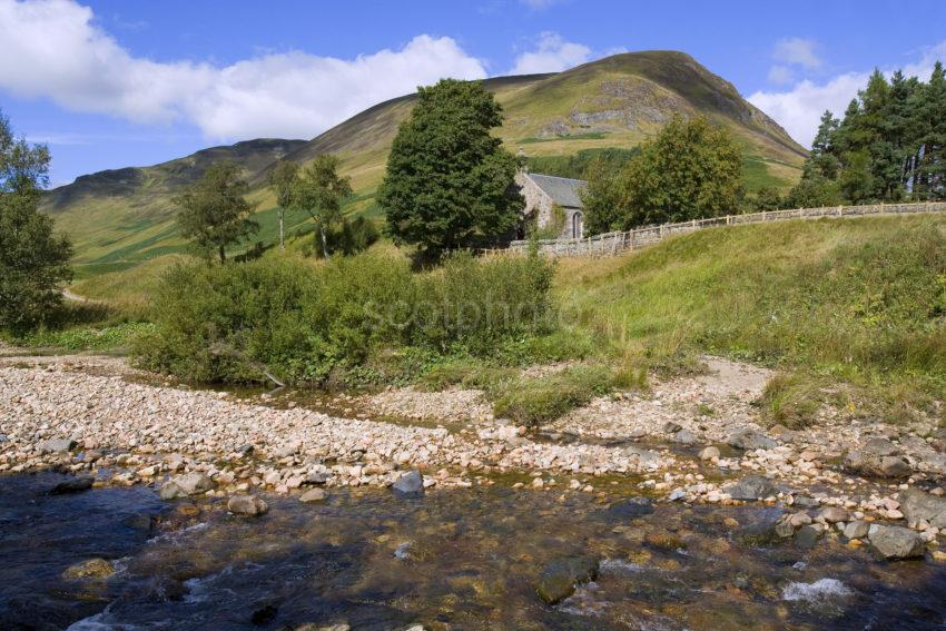 WY3Q9934 Kirk River Shearwater Spittal Of Glenshee 47M