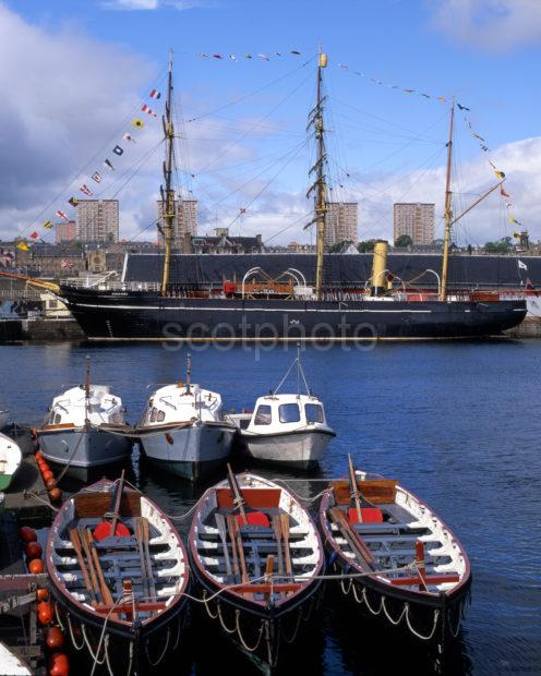 Scotts Ship The Discovery Birthed At Dundee Docks Before Her New Berth Was Available
