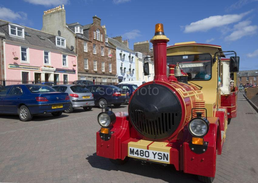 WY3Q9757 Train On Seafront Arbroath Harbour