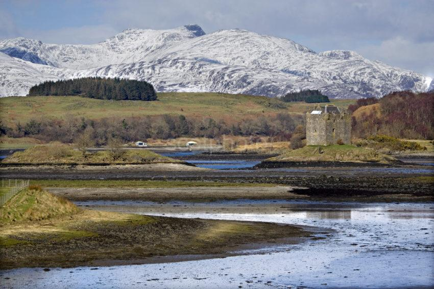WY3Q2288 Towards Castle Stalker From South