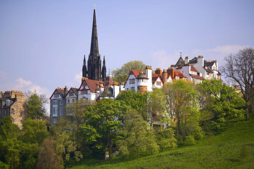 WY3Q0223 Old Town From Princes Street Edinburgh