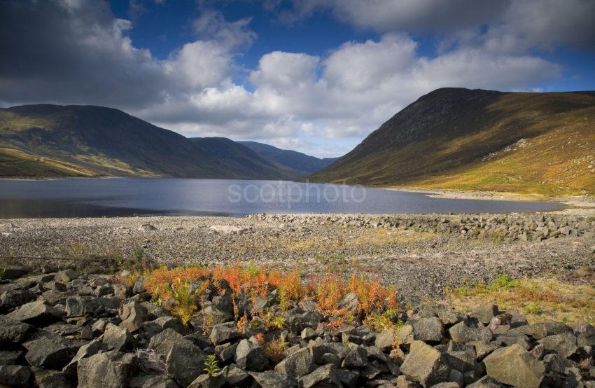 Y3Q0292 Loch Turret From Dam