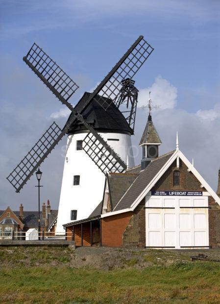 Y3Q9662 Windmill Lytham St Annes Lancs