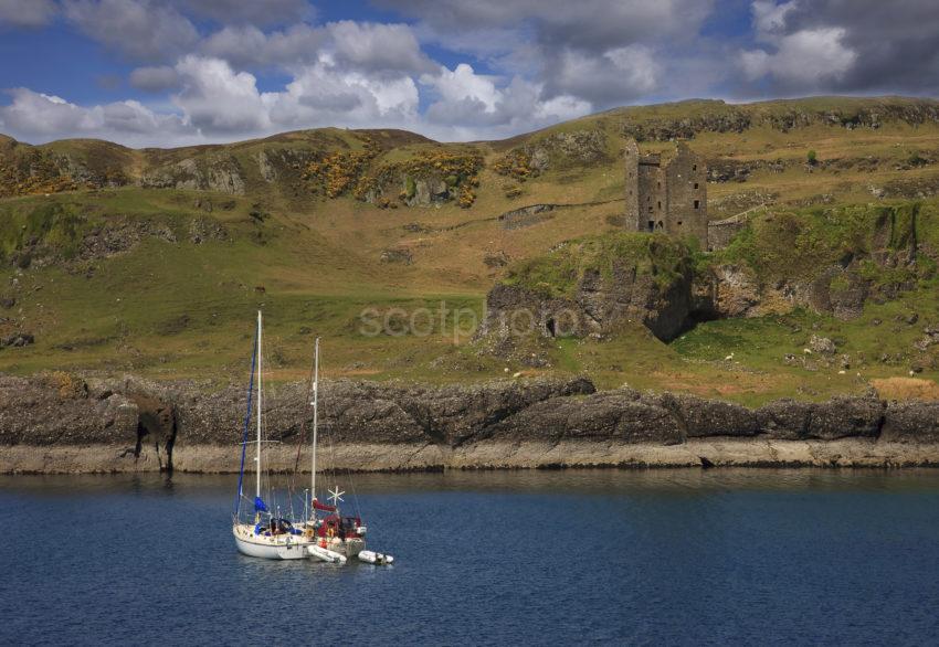 Gylen Castle Kerrera With Yachts