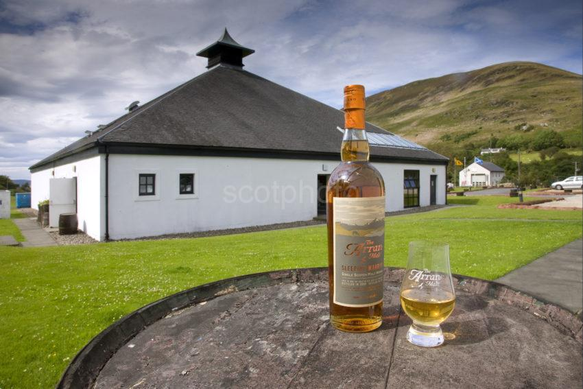 I5D0593 Arran Single Malt Whisky And Distillery Lochranza Arran