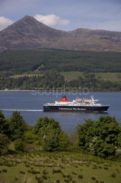 DSC 4999 Caledonian Isles Departs Brodick Bay Arran