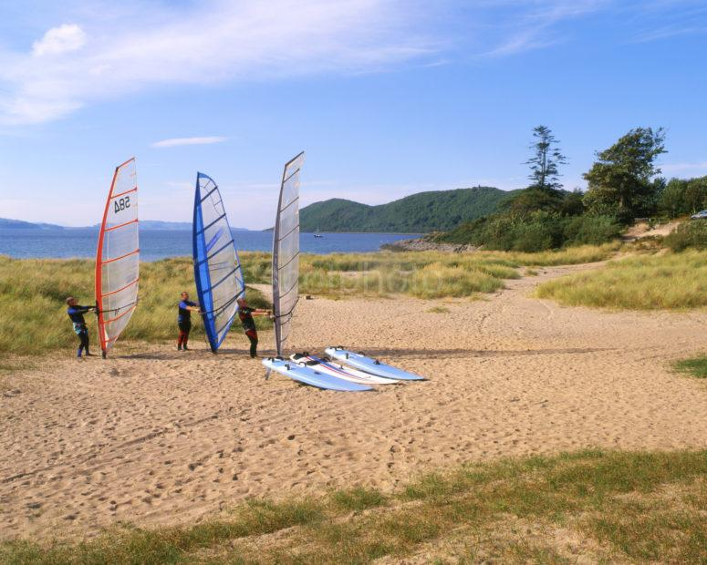 Wind Surfers Prepare Thier Sails On Tralee Beach Benderloch Argyll