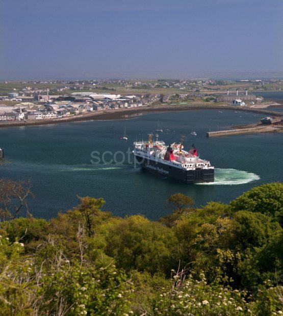 Portrait Mv Isle Of Lewis Departs Stornoway Lewis