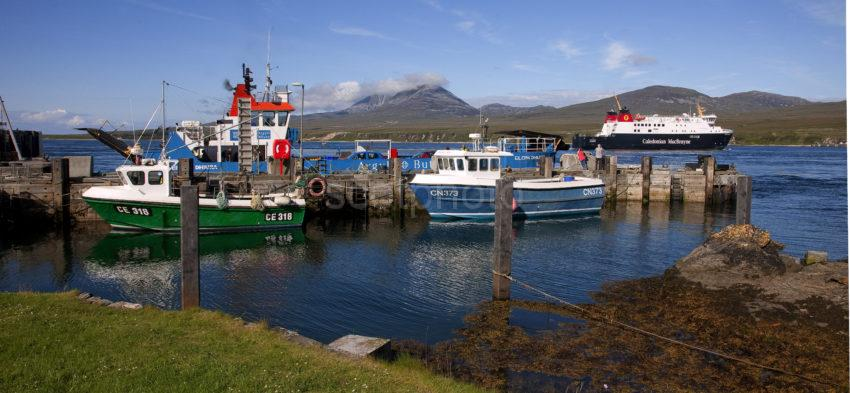 Panoramic Of Port Askaig With Finlaggan Departing