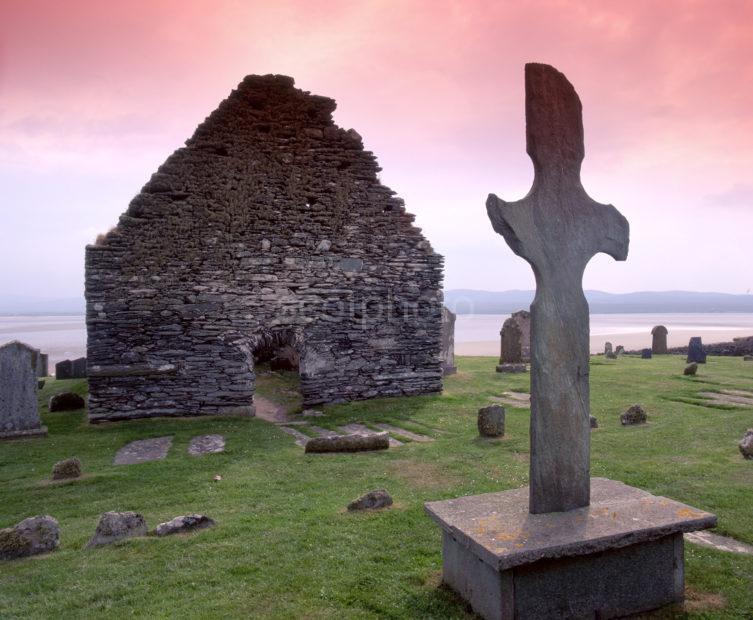 Kilnave Chapel And Cross Loch Gruinart Island Of Islay