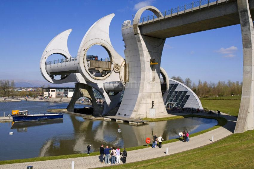 WY3Q3478 Falkirk Wheel In Operation