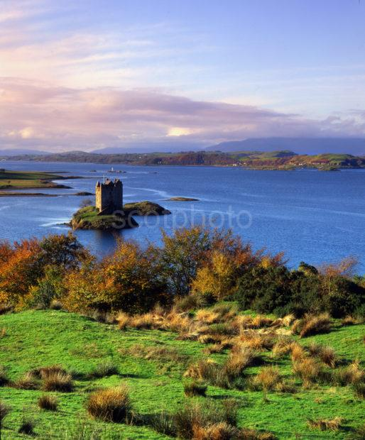 AUTUMN VIEW OF CASTLE STALKER
