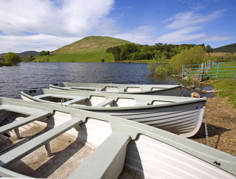 WY3Q0029 Castlehill Reservoir Glen Devon Perthshire