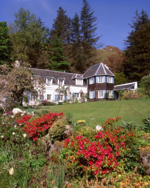 An Cala Garden In Ellen A Beiach Easdale