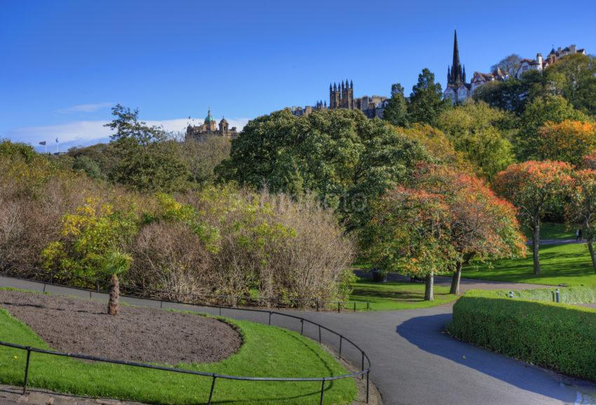 0I5D9543 Princes Street Gardens Edinburgh Towards The Mound