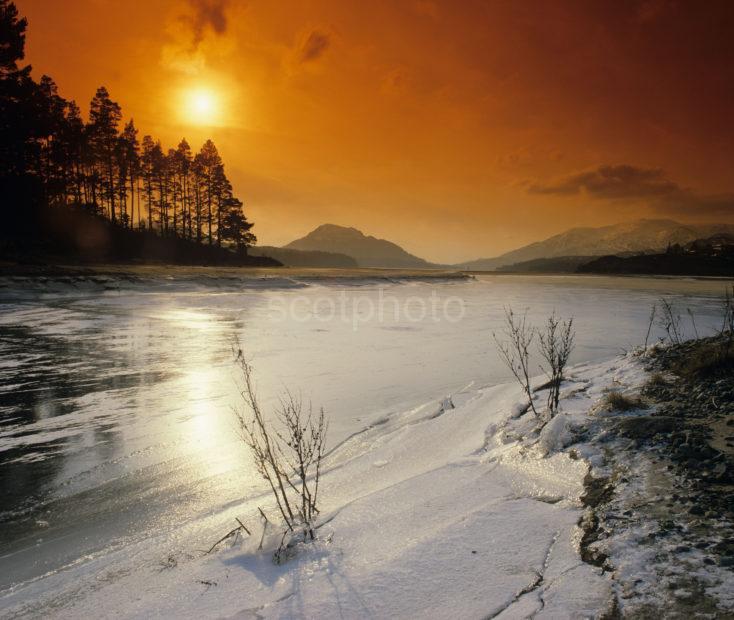 Winter Sunset Over Loch Laggan L235