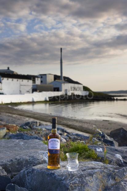 I5D0856 Bowmore Single Malt Whisky And Distillery Islay
