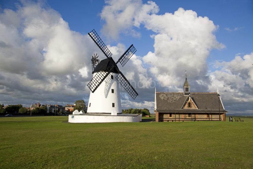 Y3Q9946 Windmill Lytham St Annes