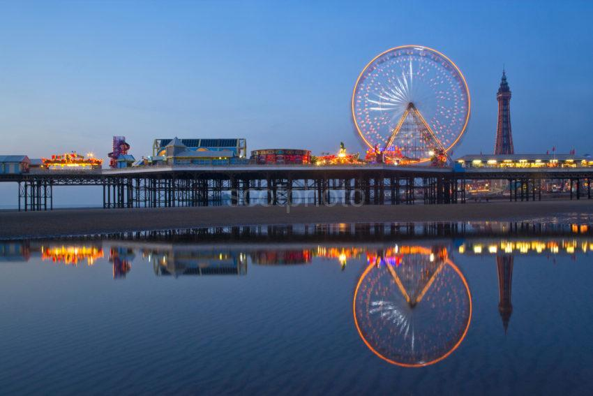 Y3Q9752 Great Pic Tower And Big Wheel At Dusk From Pools
