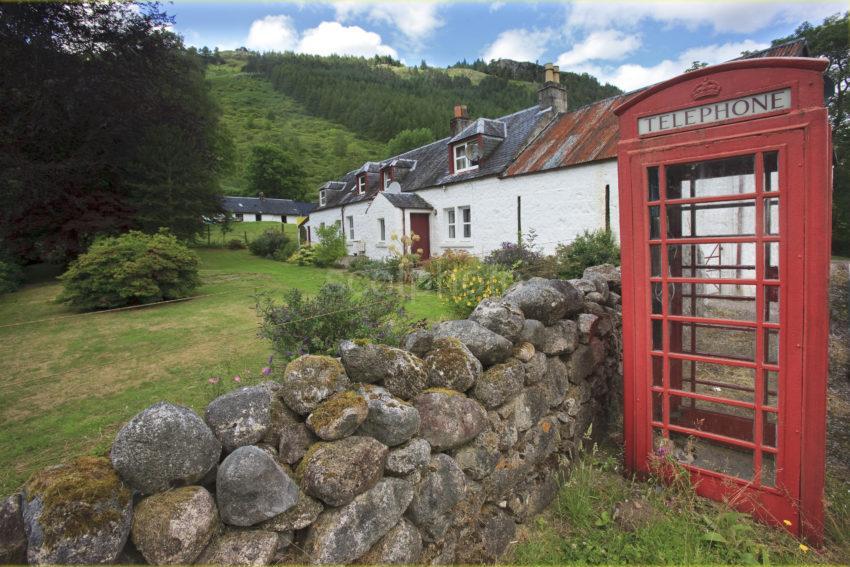I5D0062 Phone Box Druimmachoish Glen Etive
