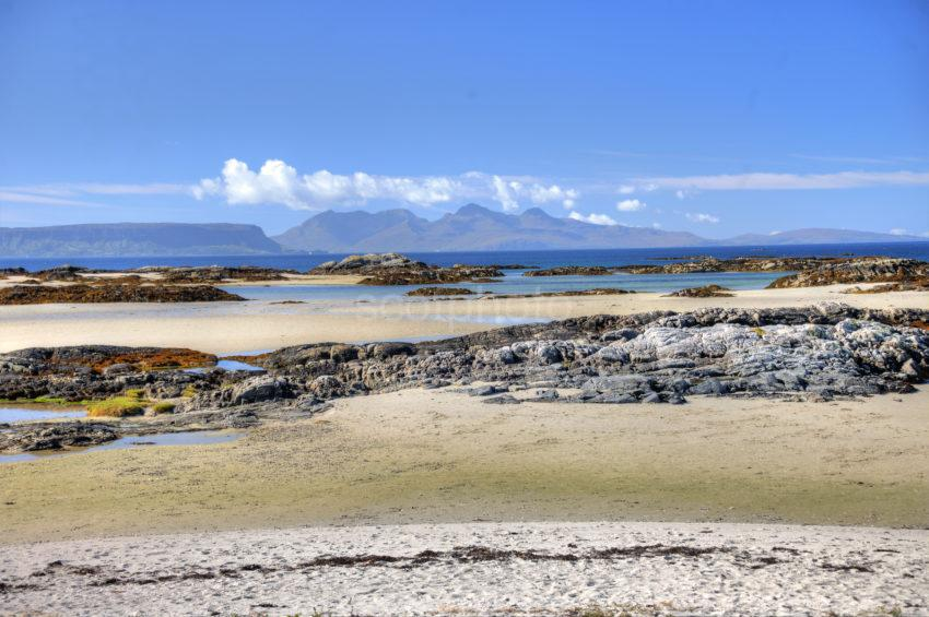 DSC 3567 EIGG AND RUM FROM MORAR SANDS 2015