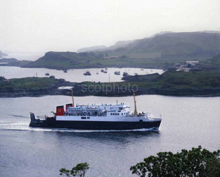 M V Iona Passes Kerrera En Route To Barra