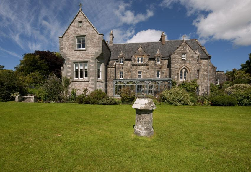 Ardchattan House Frontage