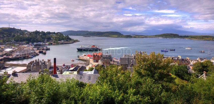 MV Clansman Arrives In Oban Bay Argyll