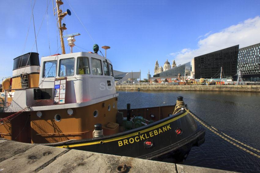0I5D3249 LIVERPOOLS NEW SEAFRONT LOOK FROM ALBERT DOCK