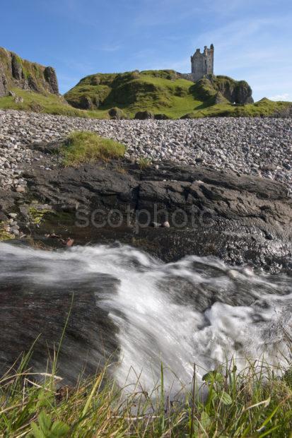 DSC 1203 Gylen Castle From Waterfall Kerrera