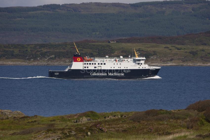 MV FInlaggan At Speed In West Loch Tarbert