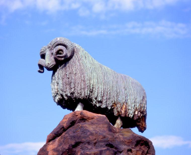 The Lmoffat Sheep The Colvin Fountain And Bronze Ram