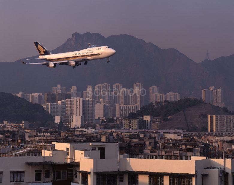 Singapore Airlines Boeing B747 Kai Tak HK