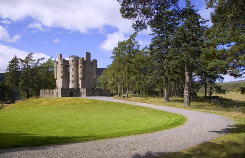 WY3Q9946 Braemar Castle Royal Deeside 47M