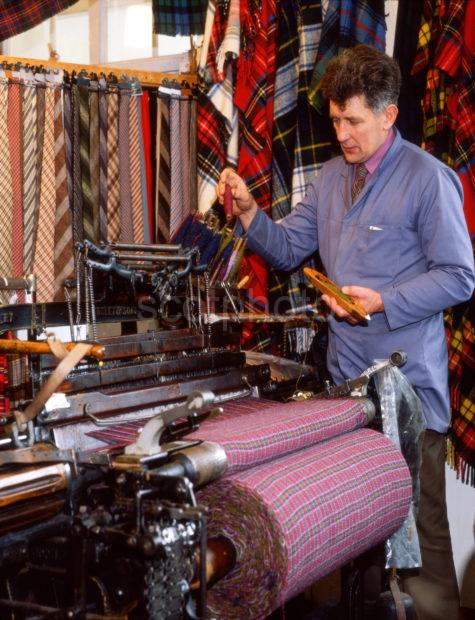 Weaver Scottish Tartan