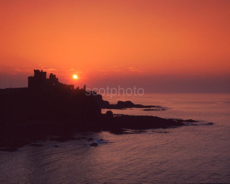 Tantallan Castle At Sunset East Lothian